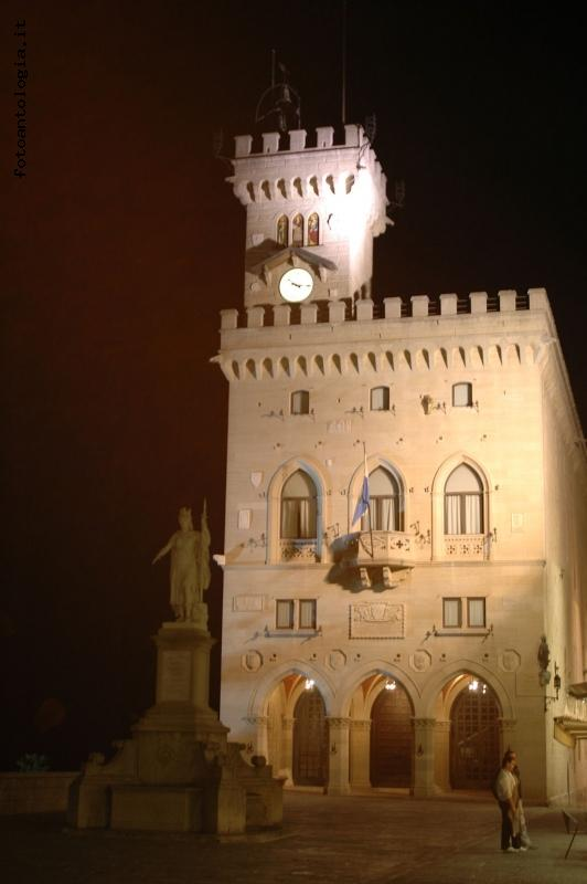 San Marino by night