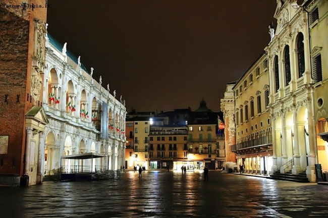 Vicenza by night